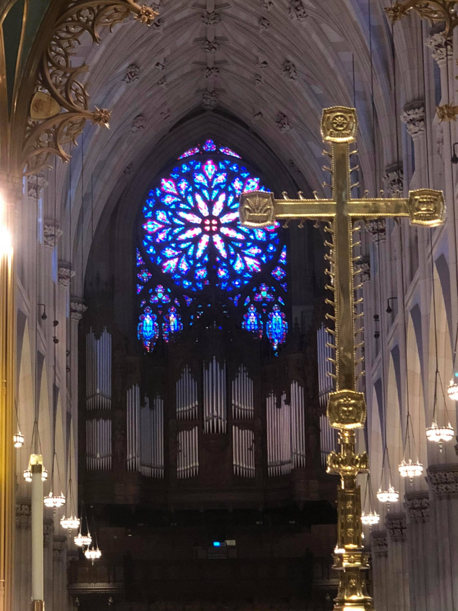 a review of st patrick's cathedral in new york
